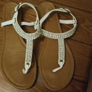 Size 9 Olivia sandals white Rhinestones and pearls